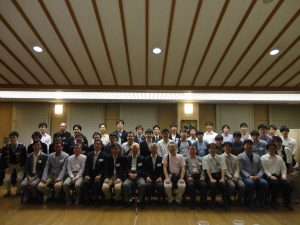 OB会の集合写真
